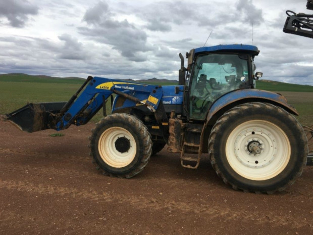 New Holland T7050 FWA/4WD